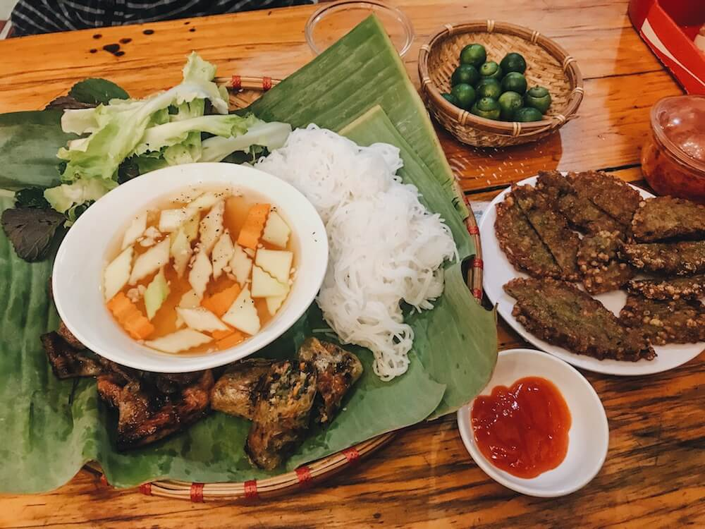 Vietnamese restaurant food