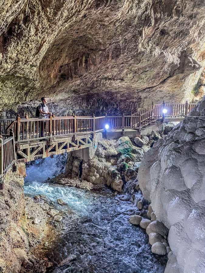 Kaklik cave in Pamukkale