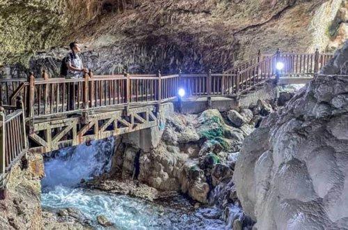 Visiting Kaklik cave Pamukkale