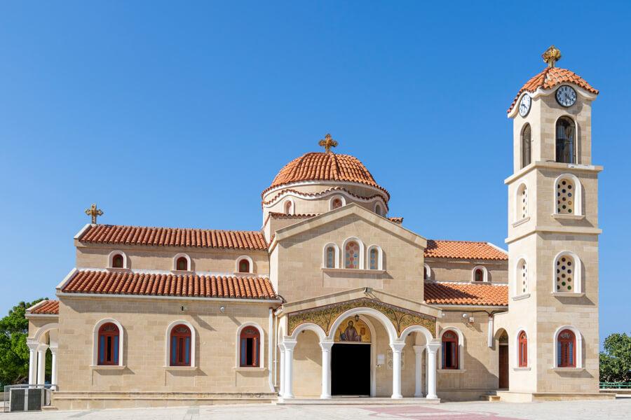 Limassol to Larnaca by car