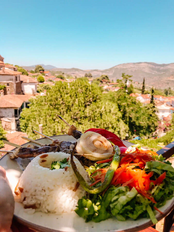 where to eat in sirince